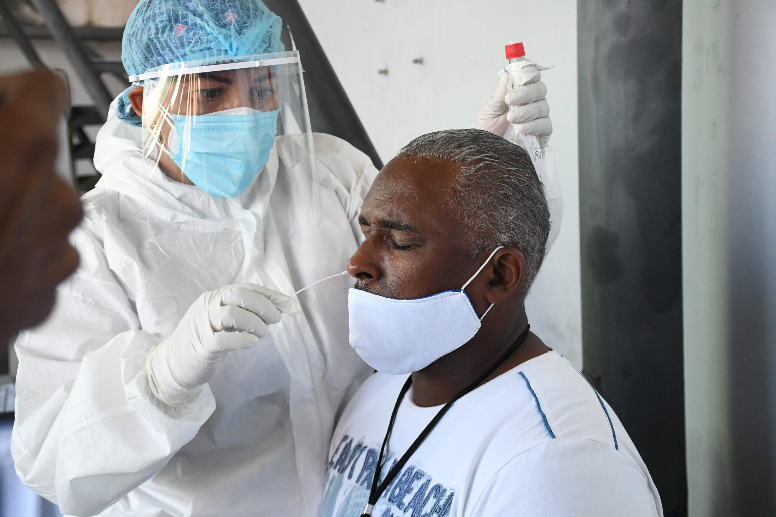 Ministro encabezó operativo de detección de COVID-19 a choferes de CONATRA