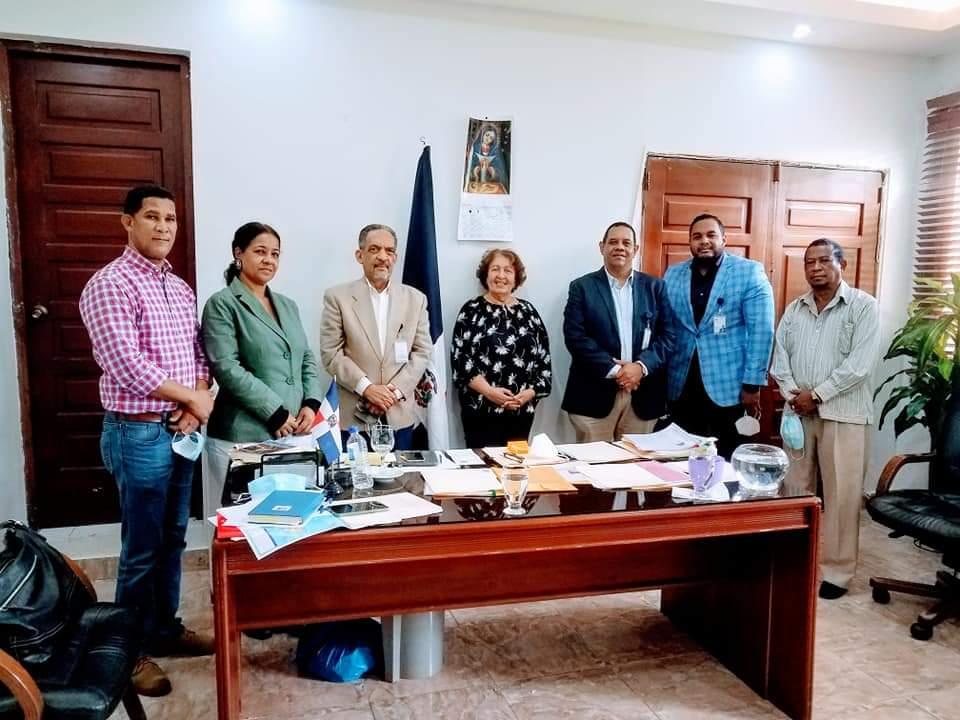 , La Gobernadora de Barahona recibe comisión  Ministerio de Economía, Planificación y Desarrollo ( MEPYD)