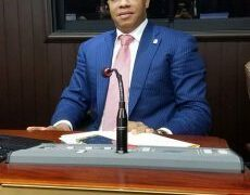 Diputado Miguel Florián denuncia empleados del ayuntamiento de Barahona se roban solares de particulares