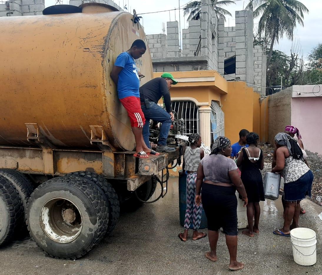 , CAC ayuda a mitigar crisis de agua en comunidad de Batey 5