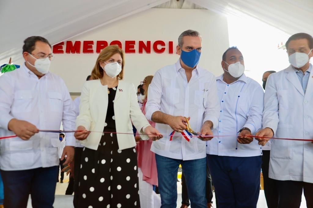 , Presidente Abinader inaugura Emergencias en dos hospitales de la provincia Duarte
