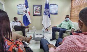 Edgar Batista realiza encuentro con líderes de Barahona en busca de soluciones a necesidades sociales