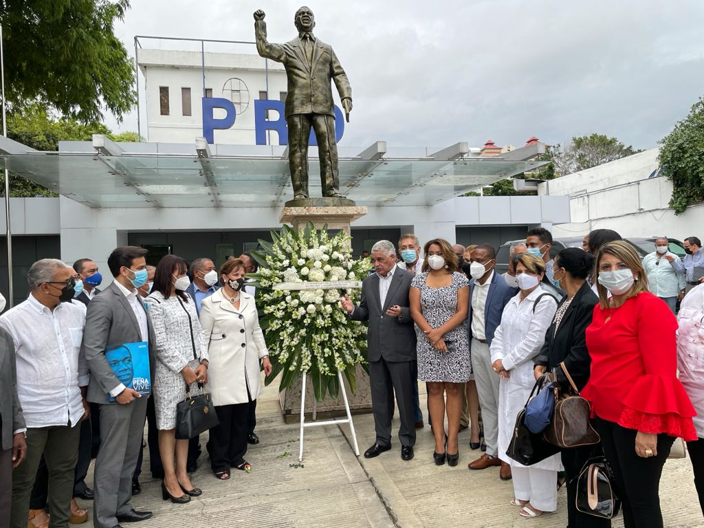 , El PRD conmemora el 23 aniversario del fallecimiento del DR. J. F. PEÑA GÓMEZ