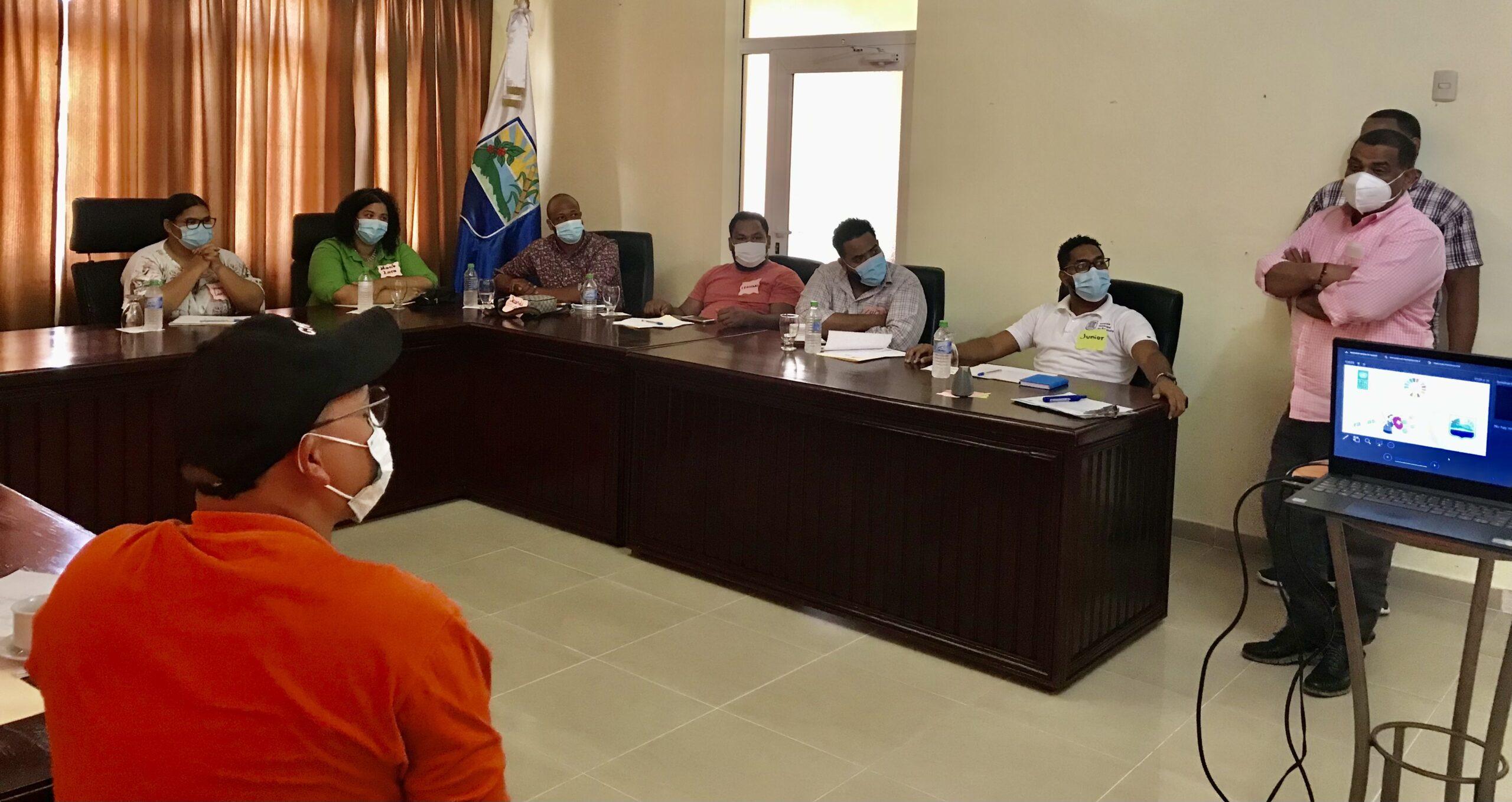 , Alcaldía de Barahona y PNUD realizan encuentro con jóvenes para Plan de Recuperación Socioeconómica