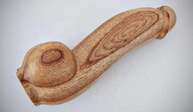 , Gobierno Argentino gasta 13 millones en 10 mil penes de madera