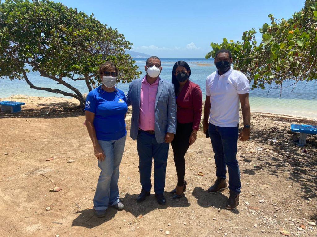 , Alcaldía de Barahona recibe Ingenieros del Ministerio de Turismo para Levantamiento del Proyecto Rehabilitación Playa Saladillas