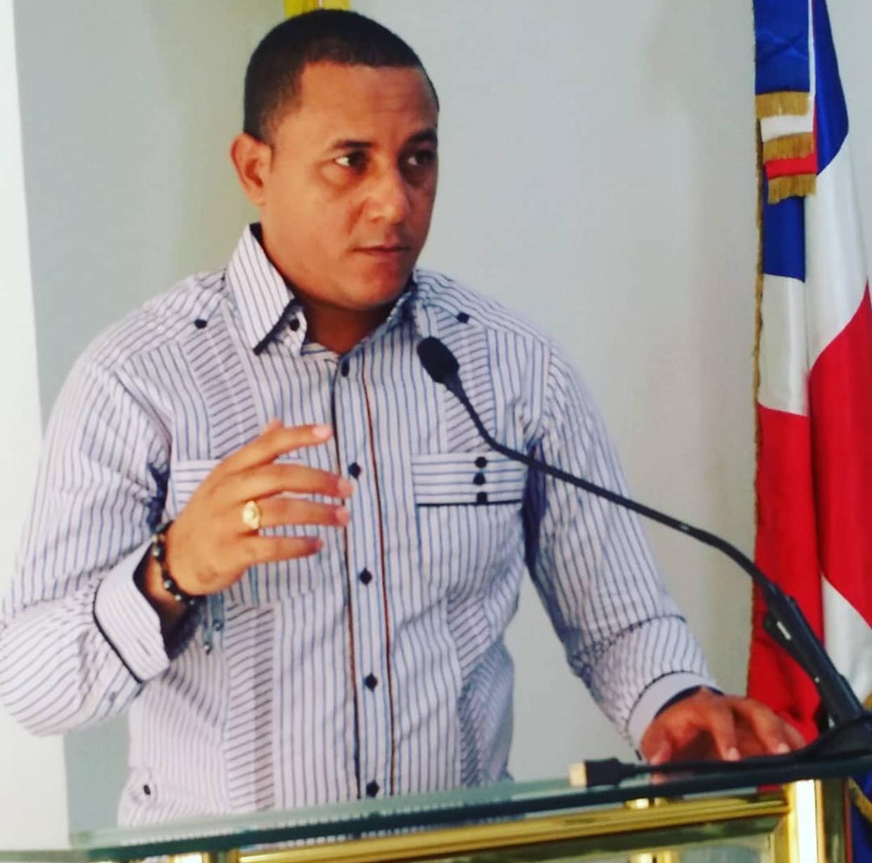 , Secretario General electo de Adompretur Barahona llama a Caribe Tours a que mejores los servicios que ofrece