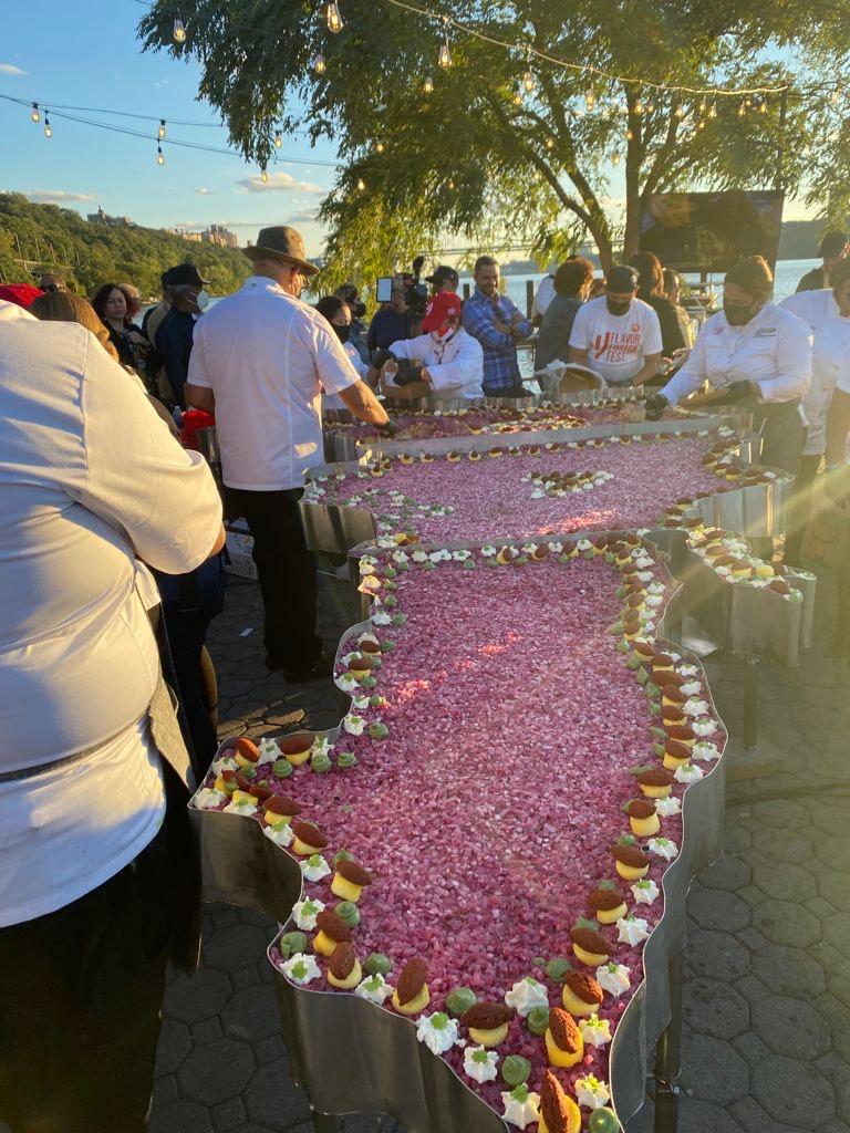Nuevo Récord Guinness para RD; tres Chefs logran mangú más grande de la historia